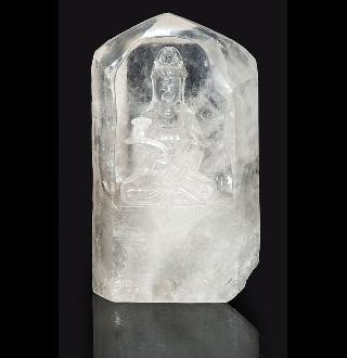 A rock crystal carving 'Guanyin'