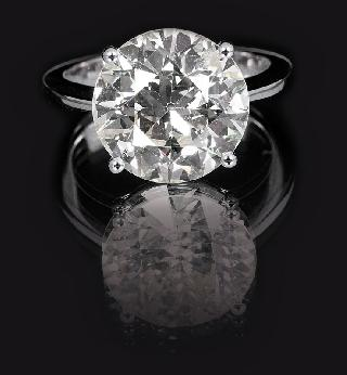 A high carat single stone diamond ring