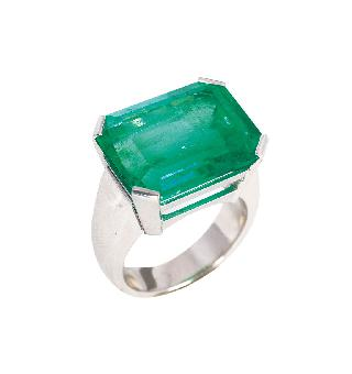 A highcarat emerald ring