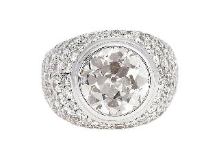An extraordinary single diamond ring with old cut diamond