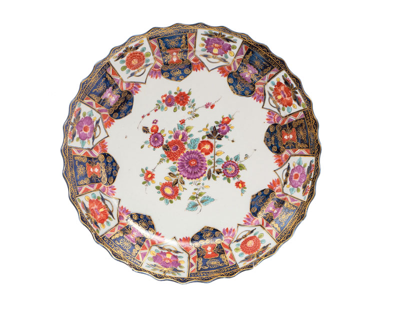 A magnificent Imari plate with lambrequin decoration