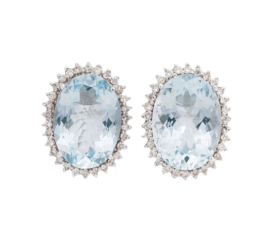 A pair of aquamarine diamond earstuds