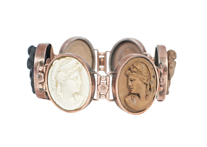 A cameo bracelet with female portaits