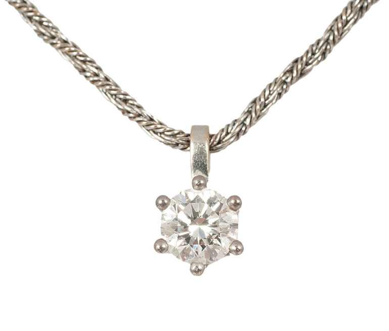 A single stone diamond pendant with necklace