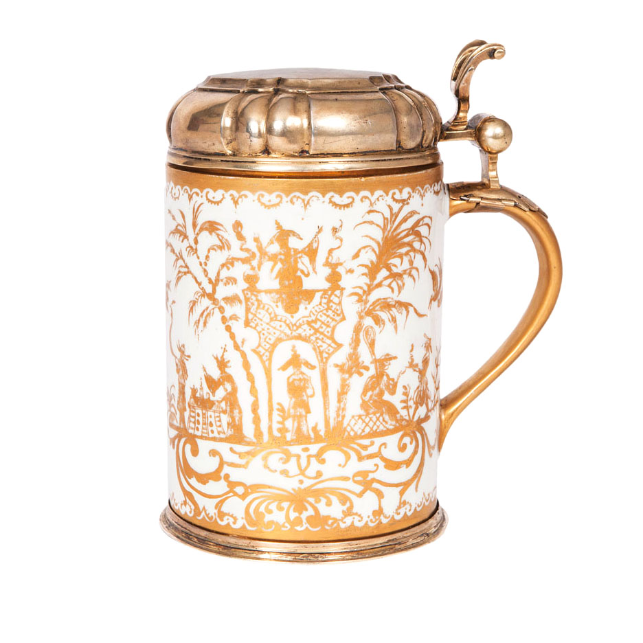 An important Böttger tankard with gold Chinoiseries from Augsburg