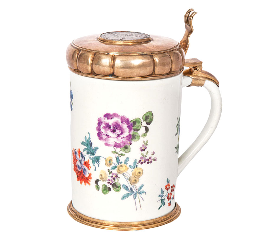 A tankard with German flowers
