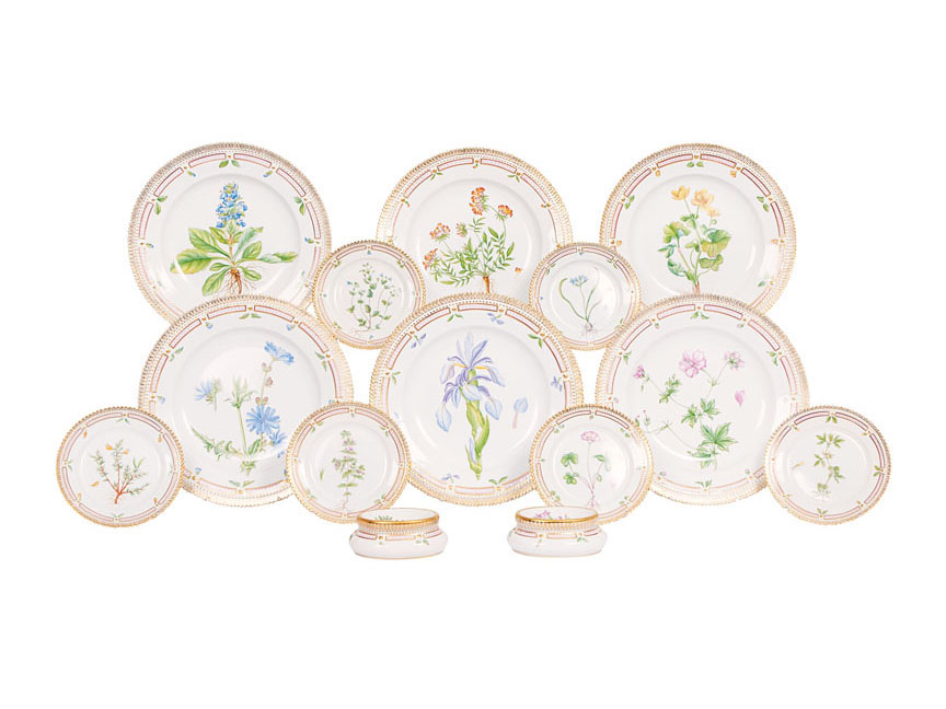 A set of dishes 'Flora Danica'