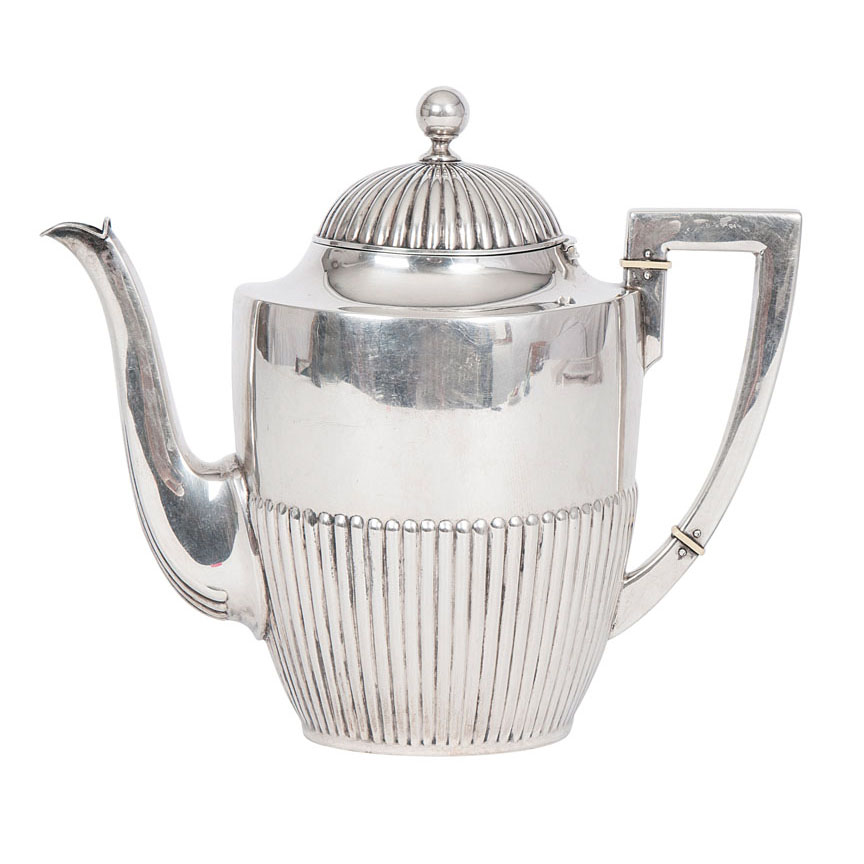 A coffee pot of Empire style