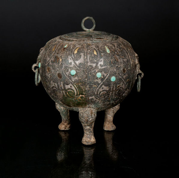 A very rare archaic metal-inlaid bronze vessel 'Ding' with turquoise decoration
