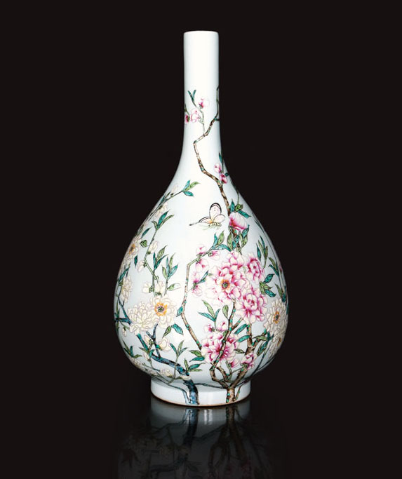 A fine vase with peonies