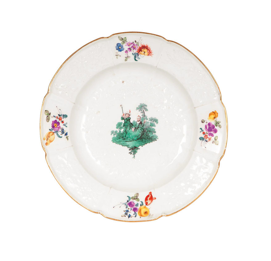 A plate with 'Gotzkowsky-relief' from the green Watteau-Service