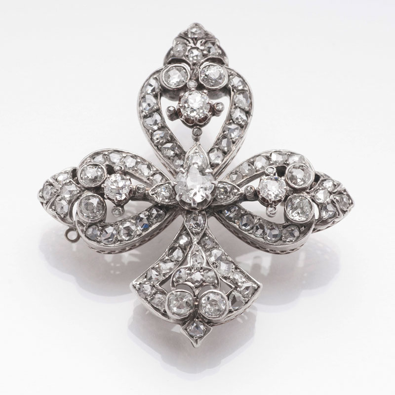 An antique diamond brooch 'Lily'