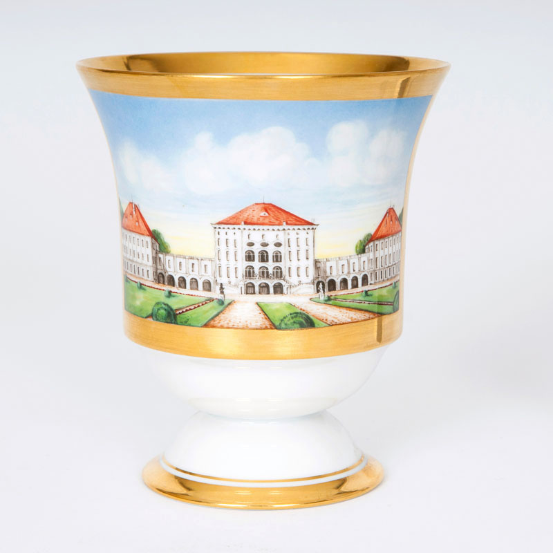 A beaker with view to the Nymphenburg castle