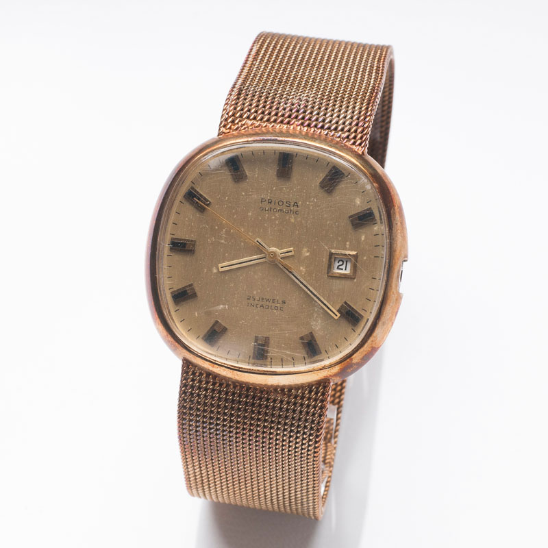 A gentlemen's wristwatch by Priosa