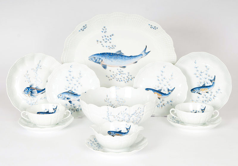 A large limoges fish-service