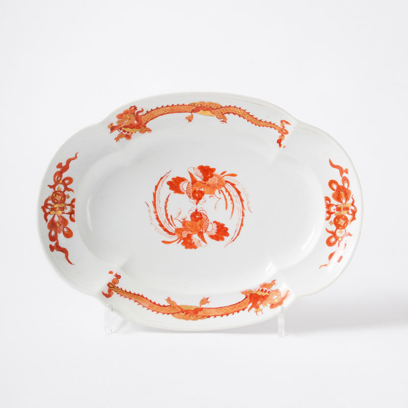 An oval dish with dragon and phoenix decor from the 'Churfürstliche Hof- Küche'