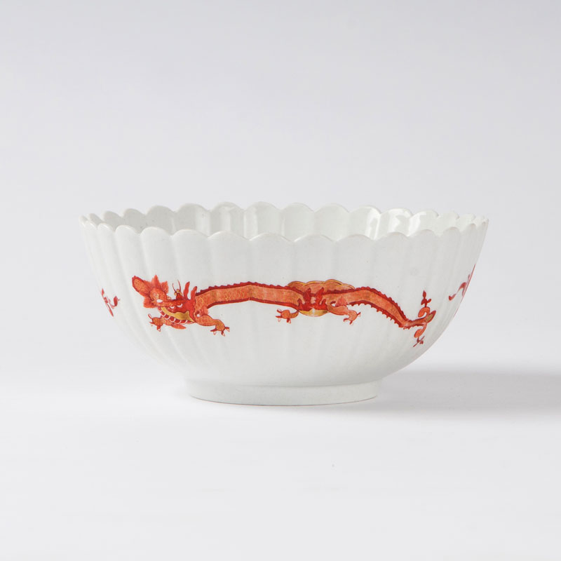 A ribbed bowl with the 'Red Dragon' from the 'Königliche Hof-Conditorei)