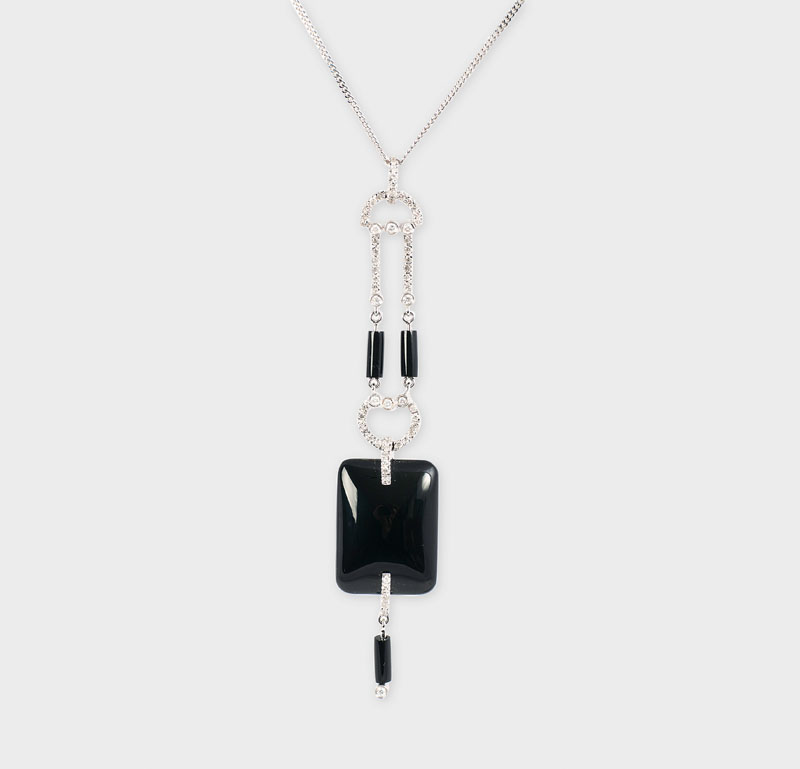 An onyx diamond pendant in Art-Déco style with necklace