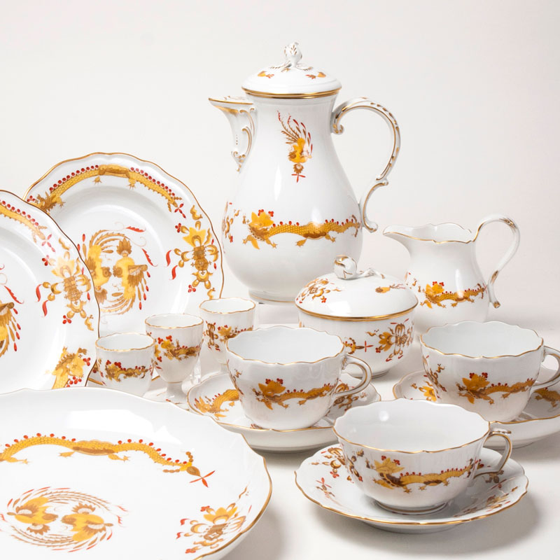 A coffee and tea service 'opulent yellow court dragon'