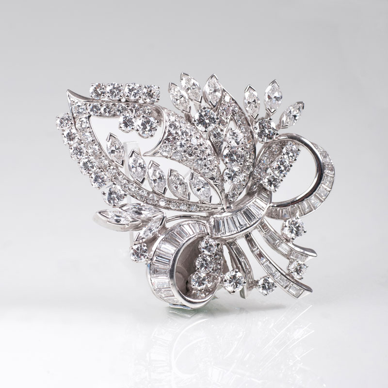 A very fine diamond brooch