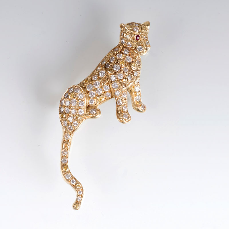 A brooch with two-coloured diamonds 'Panther'