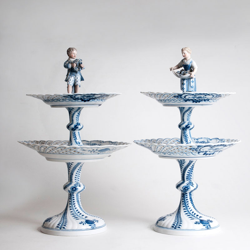 A pair of two-tiered centrepieces with onion pattern