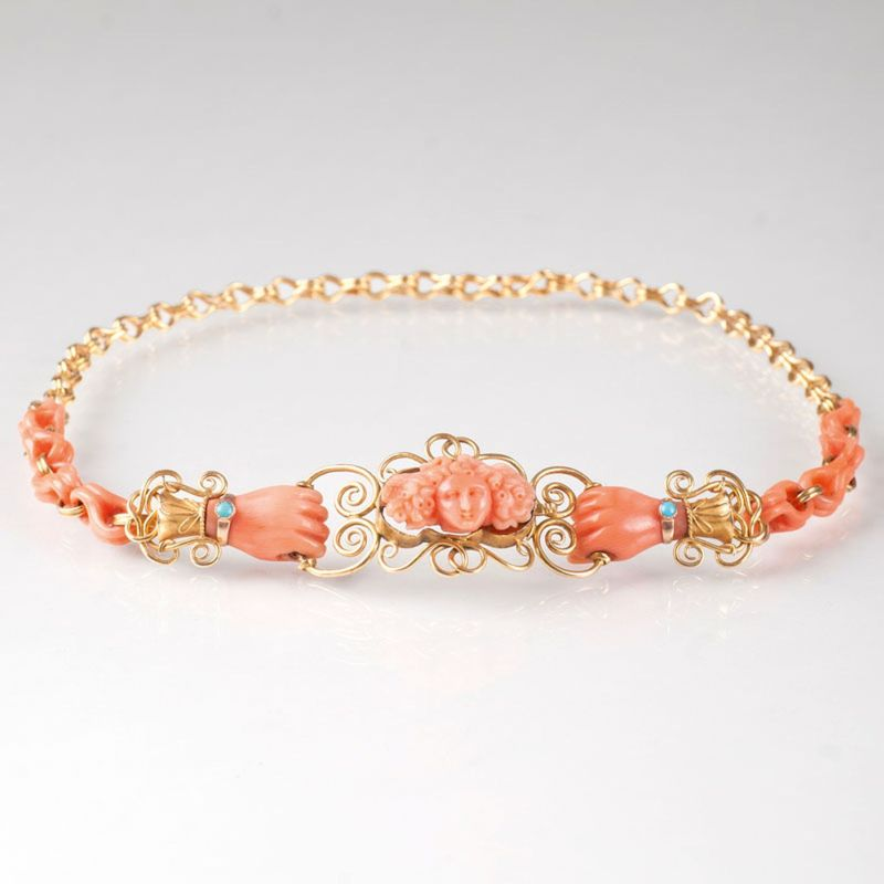 A Victorian coral necklace