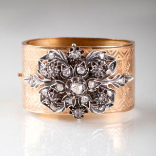 A Fin-de-Siècle bangle bracelet with diamonds