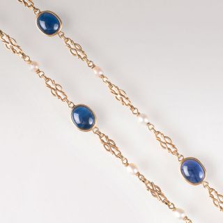 An Art Nouveau golden necklace with sapphires and pearls