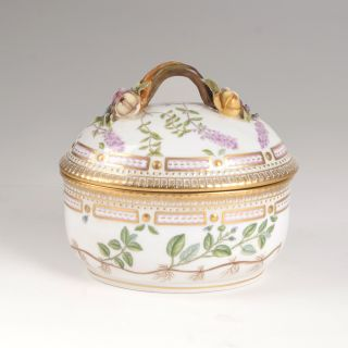 A small 'Flora Danica' tureen with cover