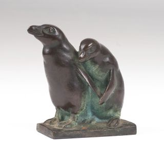 A small animal bronze 'Pair of little Penguins'
