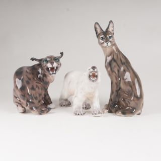 A set of 3 porcelain figures 'Hissing lynx, serval and polar bear'