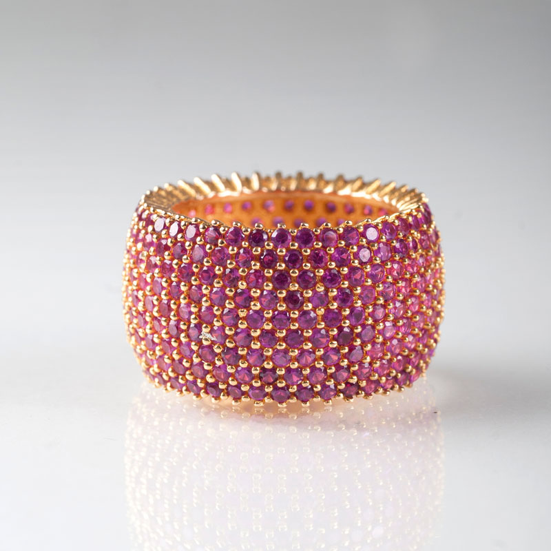 A wide ruby memory ring