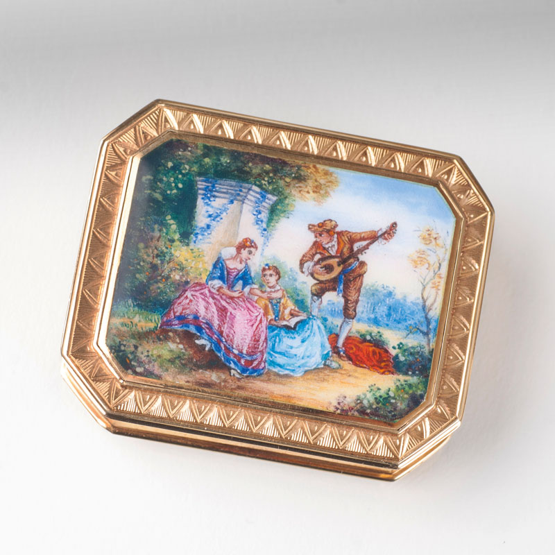 A little gold box with watteau painting