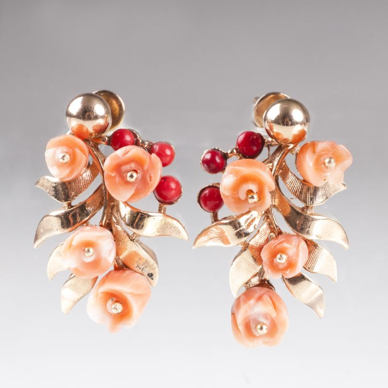 A pair of coral earpendants