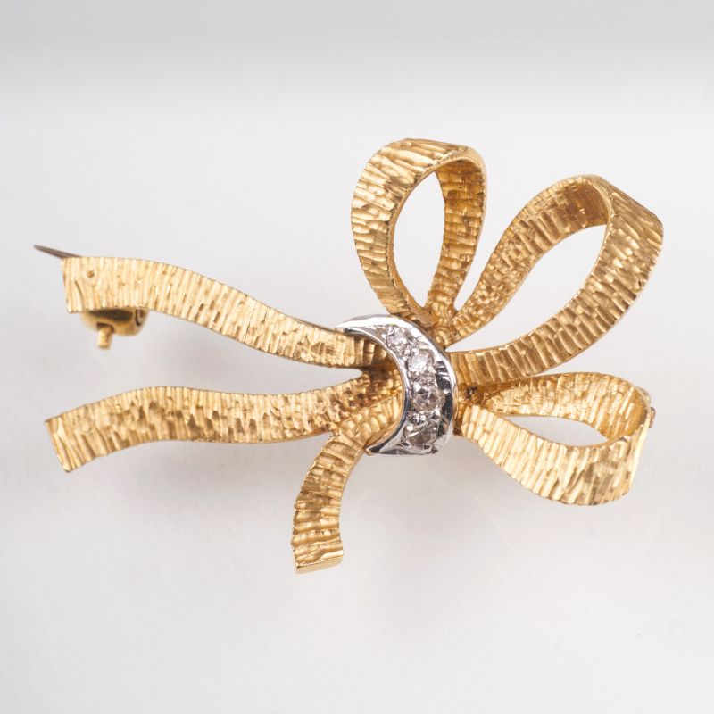 An english petite Vintage brooch 'Ribbon'