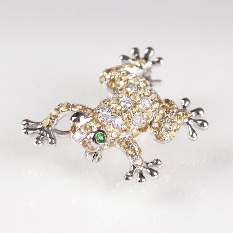 A small brooch 'Frog' with yellow topaz and diamonds