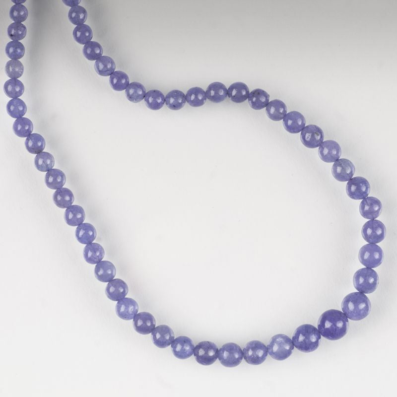 A tanzanite necklace