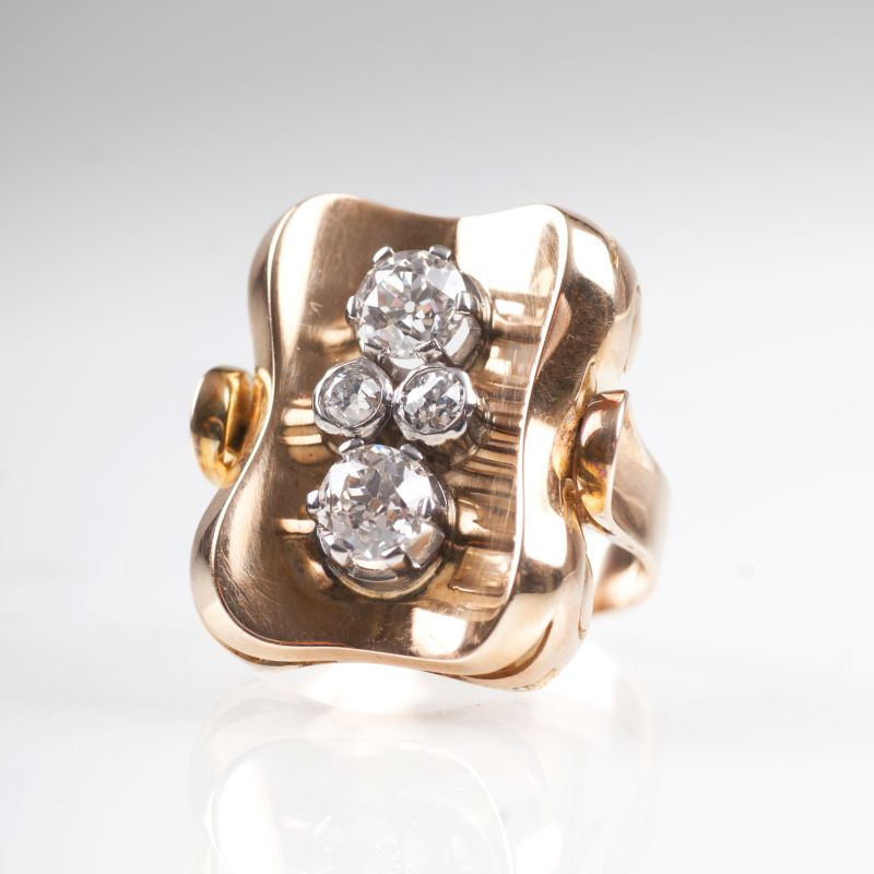 An Art Déco ring with old cut diamonds