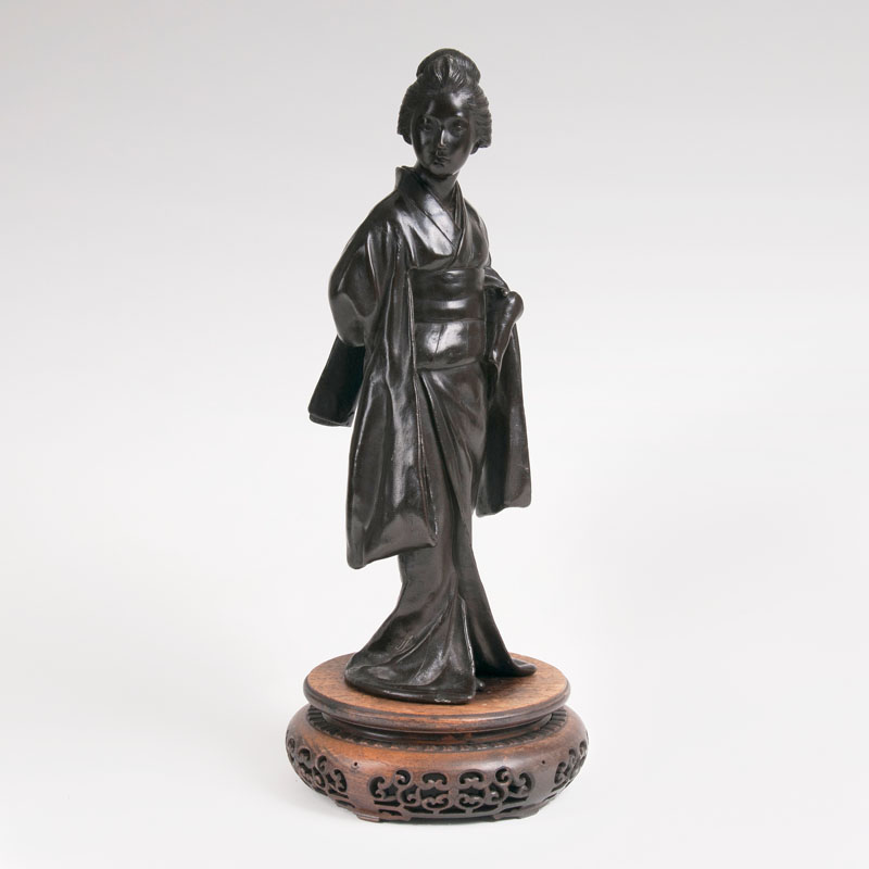 A bronze sculpture 'Japanese woman with Kimono'