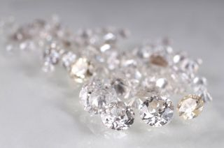 A collection of loose diamonds