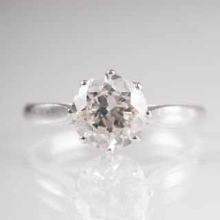 A solitaire diamond ring by Jeweller Osthues