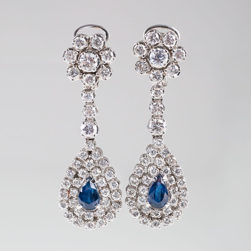 A very fine pair of Vintage sapphire diamond earpendants