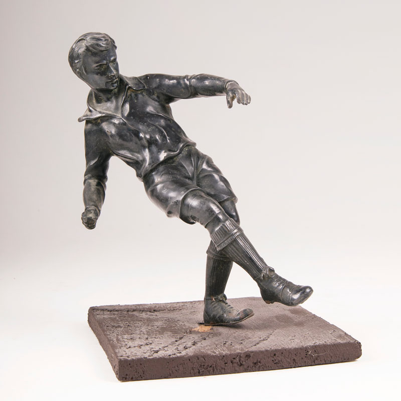 A sculpture 'Football Player'