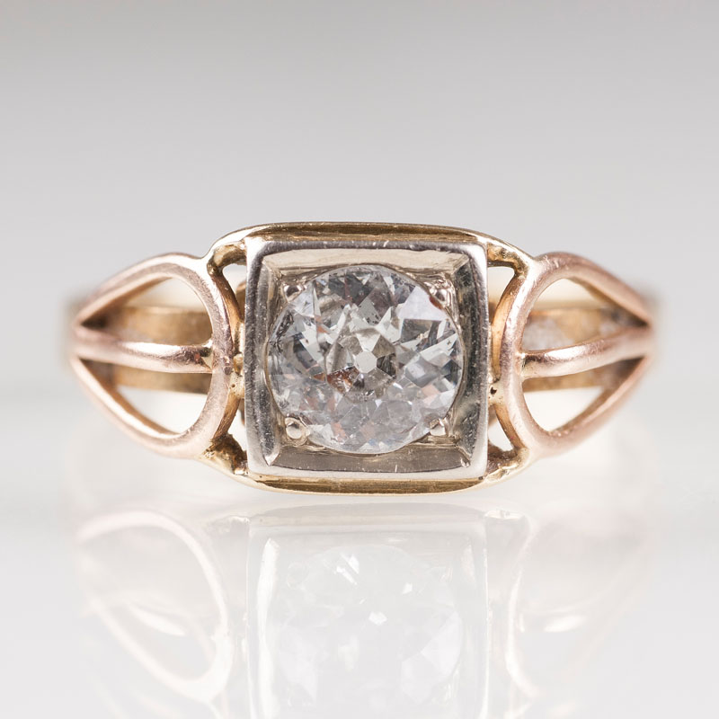 A Vintage diamond ring
