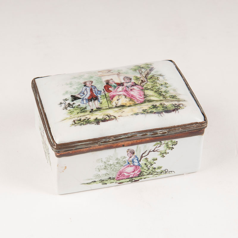 An enameled snuff box with Watteau painting
