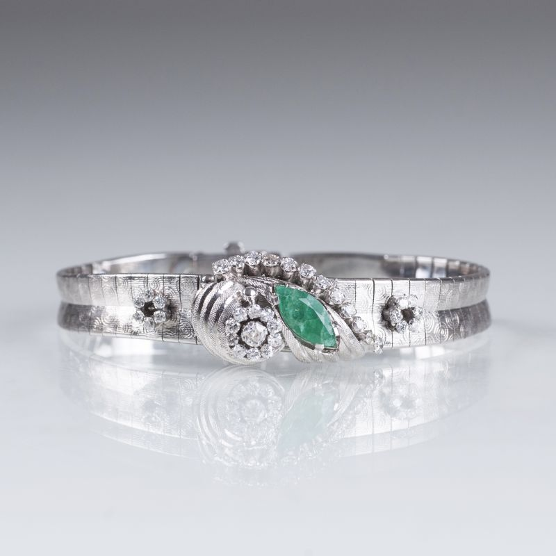 A Vintage bracelet with diamonds and emerald