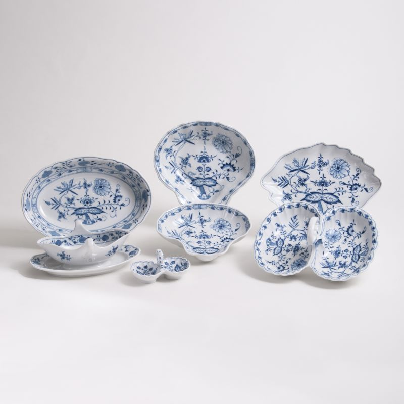 A Group of Seven Dishes 'Onion Pattern'
