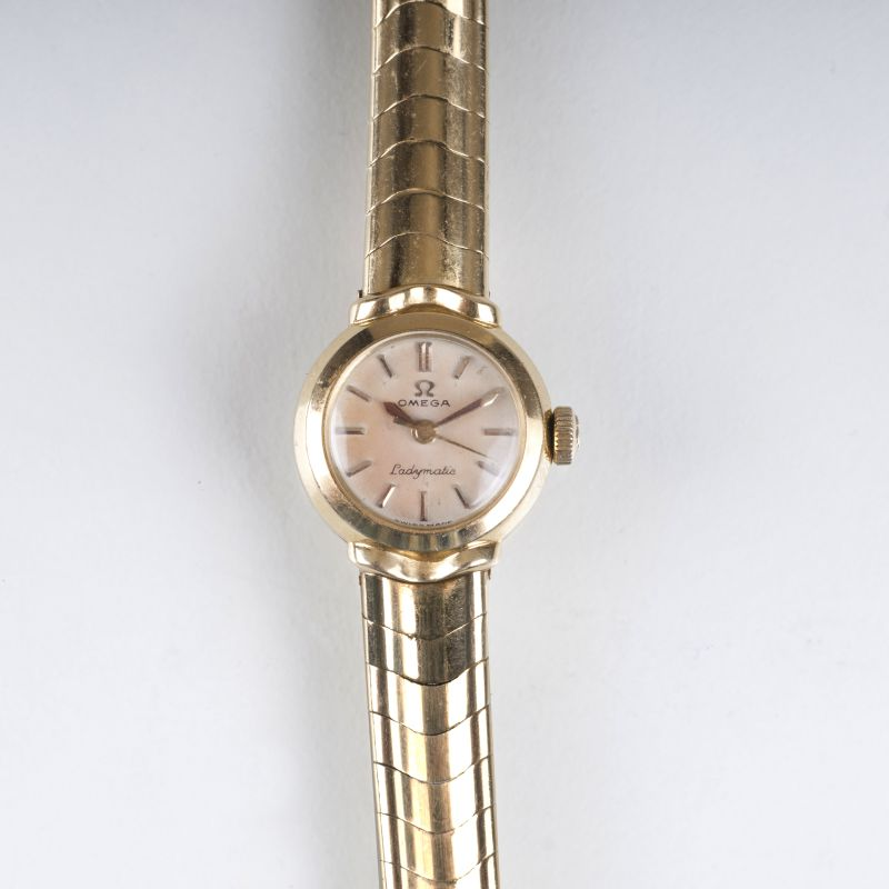 An early ladie's wristwatch 'Ladymatic'