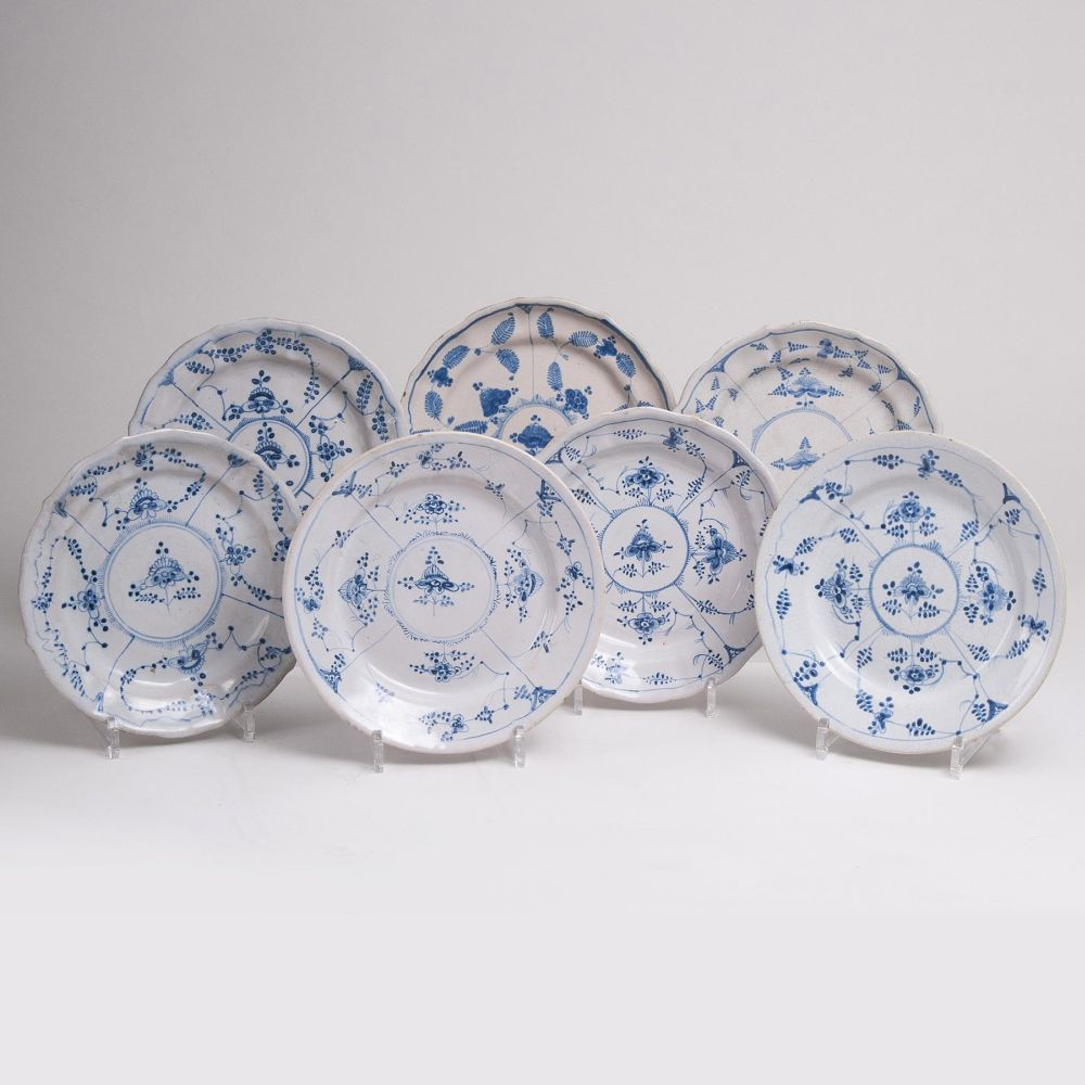Seven Faience Plates 'Blue Strawflower'